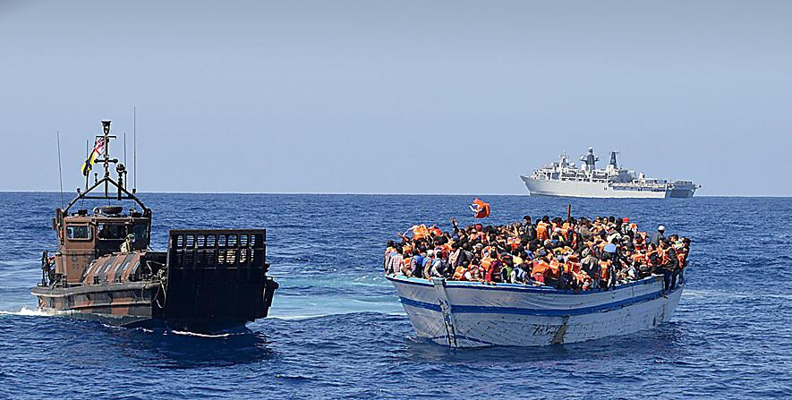 xlarge_HMS_Bulwark_Immigrants