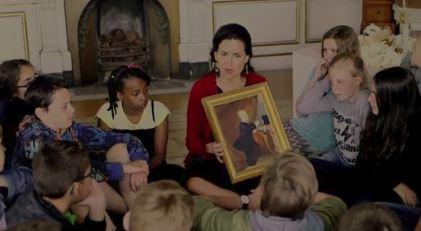 Baroness Alexandra von Schwerin with school children